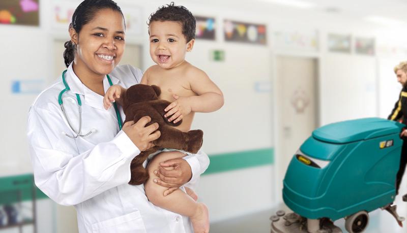 Lavasciuga pavimenti silenziose per ospedali e contesti sensibili al rumore