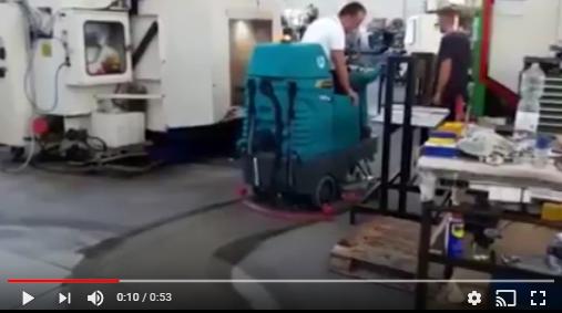 r donde pasa la maquina queda limpio y seco - Fregadora E85 Eureka