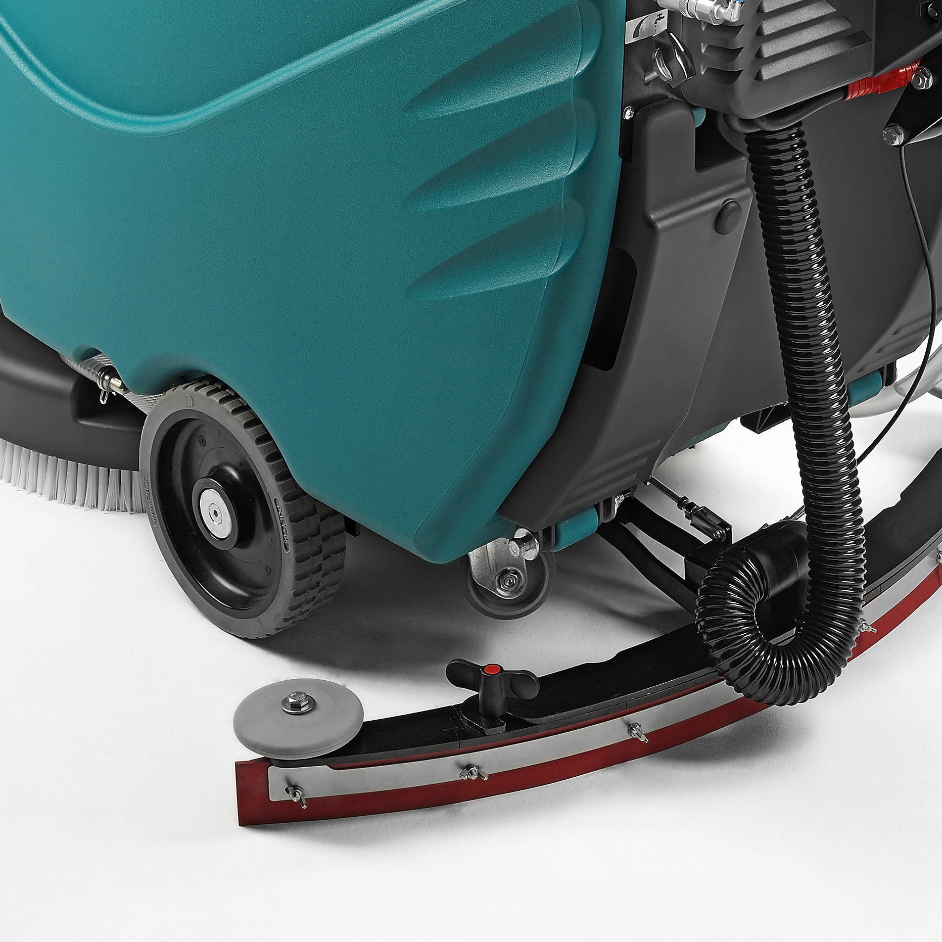 HIGH PERFORMANCE SQUEEGEE & LARGE WHEELS E50 WALK-BEHIND SCRUBBER-DRYER