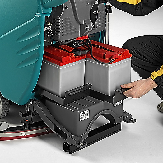 TOOL FREE FAST CHECKING/REPLACING OF BATTERIES E55 SCRUBBER-DRYER