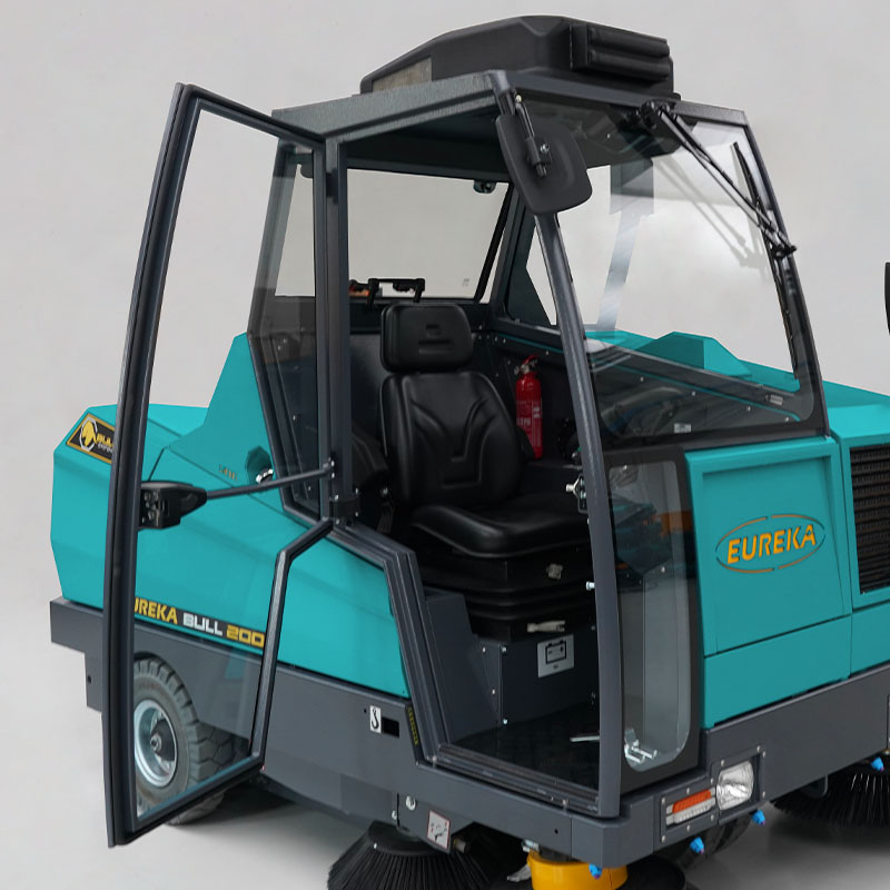 EUREKA BULL 200 | Versione con cabina per operatore