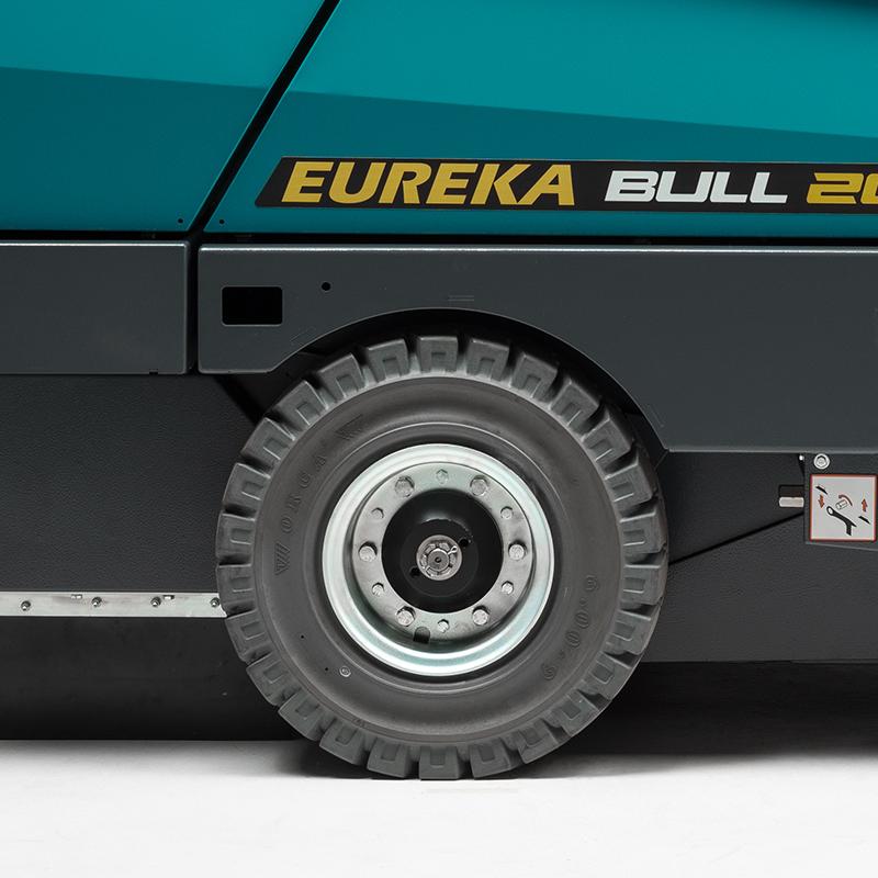 Eureka BULL 200 | Superelastische oder pneumatische Räder