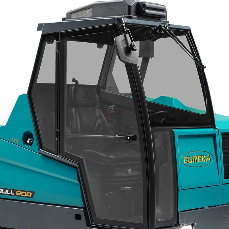 EUREKA BULL 200 | Fahrerkabine