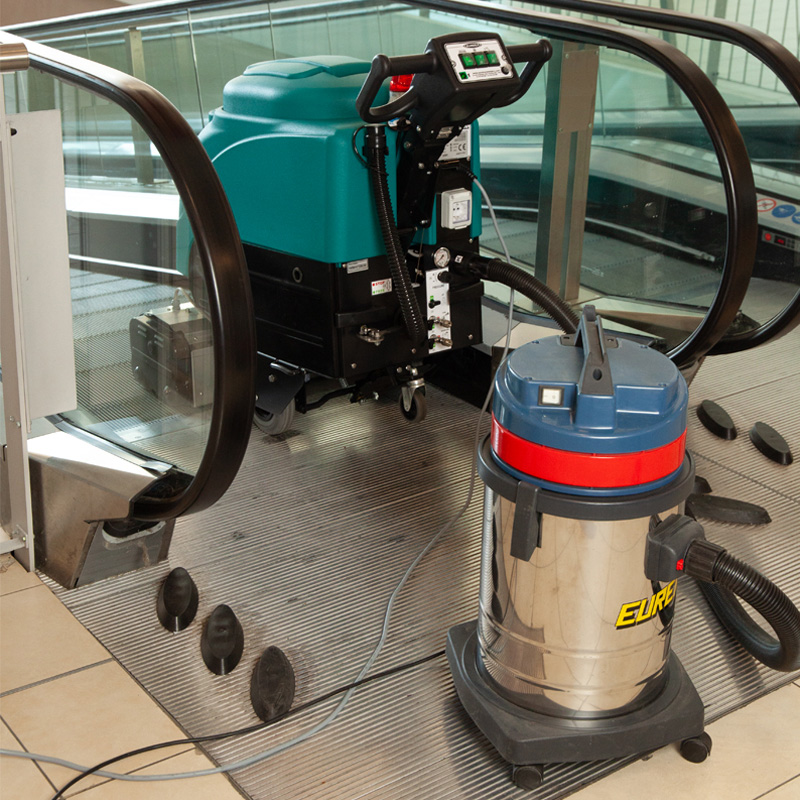 Eureka EC52 with Optional auxiliary vacuum