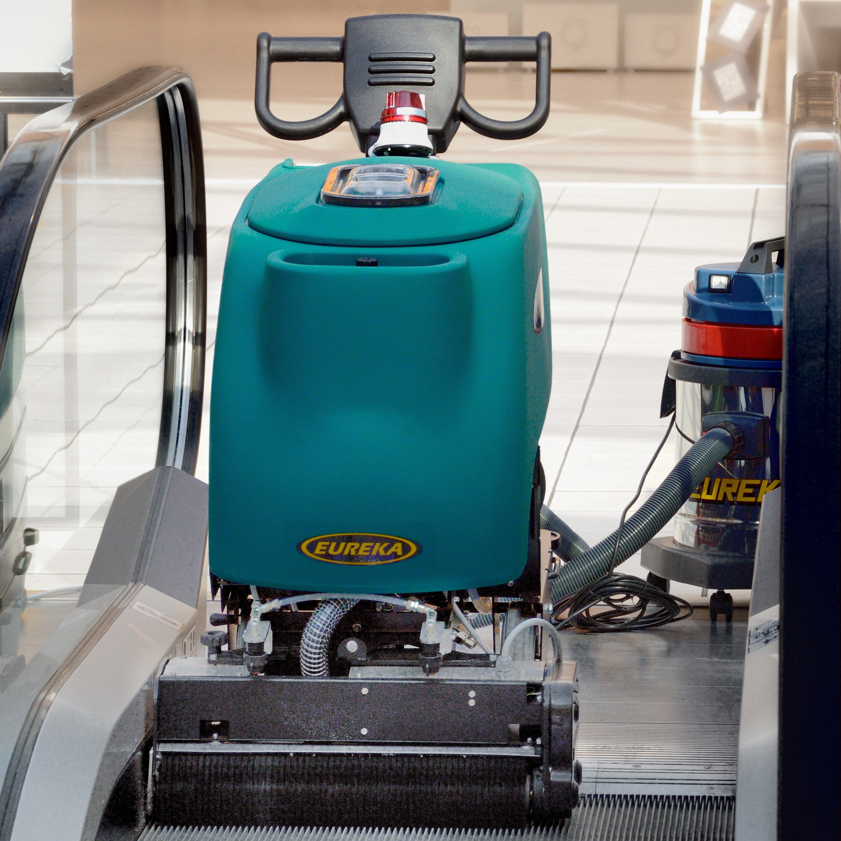 ec professional escalator travelator cleaner machine eureka work automatically ec51 escalator travelator deep cleaner operates independently