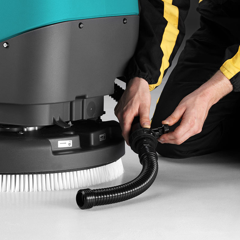 NO-HASSLE MAINTENANCE E50 WALK-BEHIND SCRUBBER-DRYER