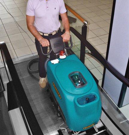 EC51 ESCALATOR & TRAVELATOR DEEP CLEANER