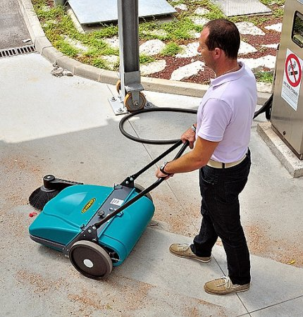 EUREKA PICOBELLO 101 MANUAL SWEEPER
