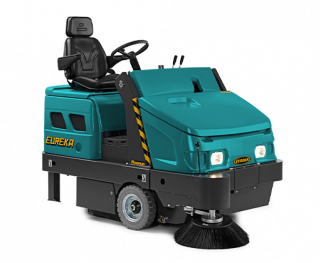 ROBUST STRUCTURE MAGNUM RIDE-ON SWEEPER